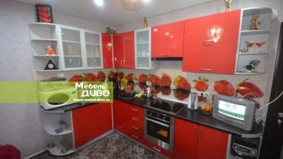 Кухни скрасными плёночными фасадами