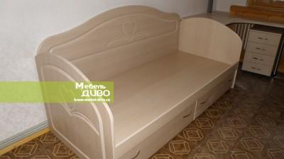 Спальни содноспальной кроватью