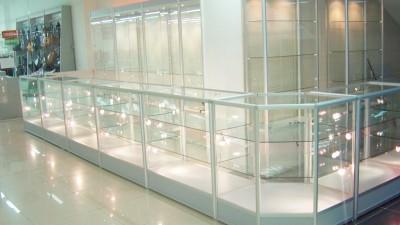 Изготовление торговых витрин
